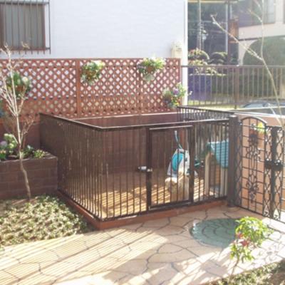 お庭の一部にサークルを設置