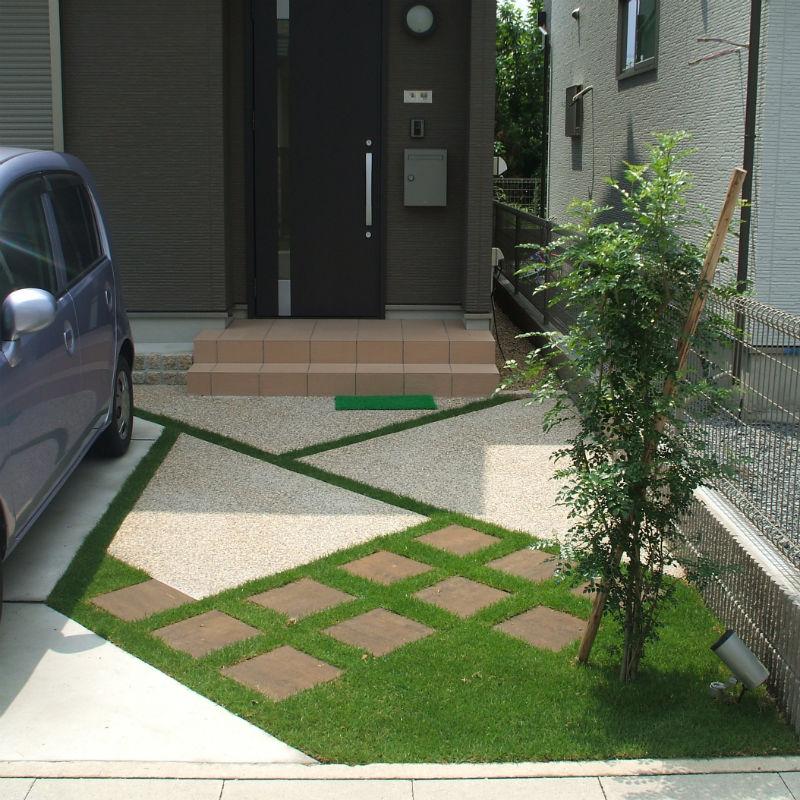ガレージ2台・アプローチ・植栽・スポットライト