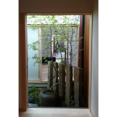狭小空間を生かした京町屋の庭