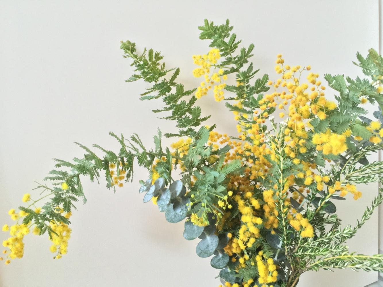 ユーカリとミモザの花束